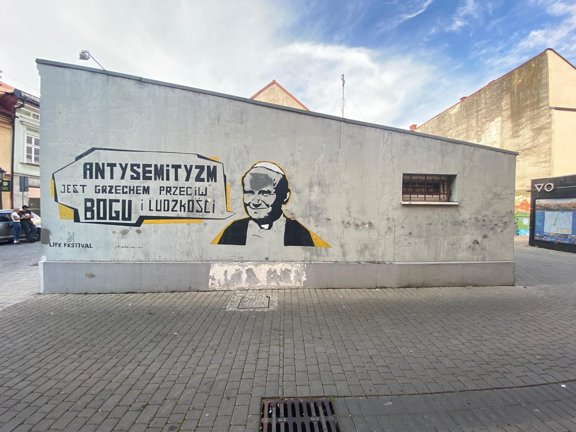 Mural z wizerunkiem św. Jana Pawła II